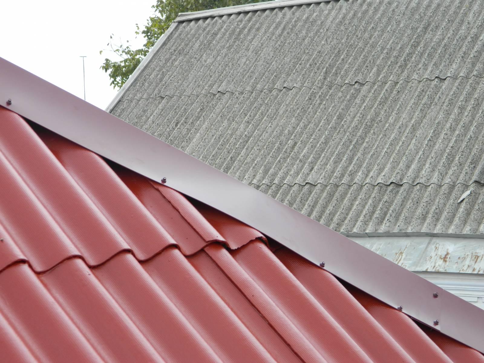 Покраска железной крыши своими руками